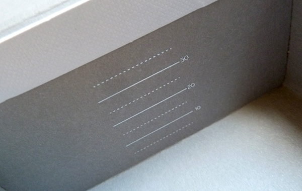 Moo Luxe business card box detail